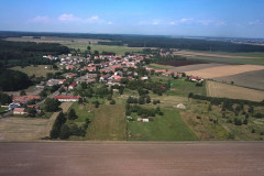 Obec Bělušice fotografované dronem z výšky