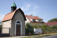 Zvonička v obci Bělušice